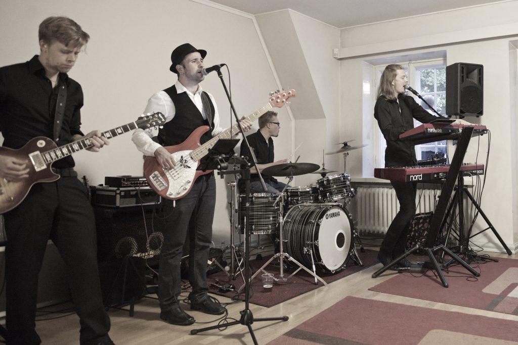 Bilebändi häihin, Bilebändi Helsinki, bändi helsinki